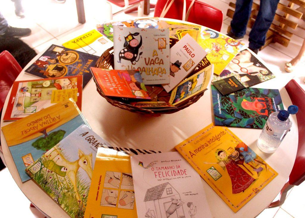 Livros doados pelo Rotas e Redes Literárias
